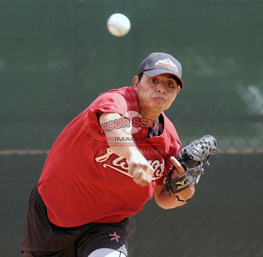 August 2, 2009: RHP Abraham Gonzalez (18) of the Greeneville Astros, rookie Appalachian League affiliate of the Houston Astros, before a game at at Pioneer Park in Greeneville, Tenn. Photo by:  Tom Priddy/Four Seam Images