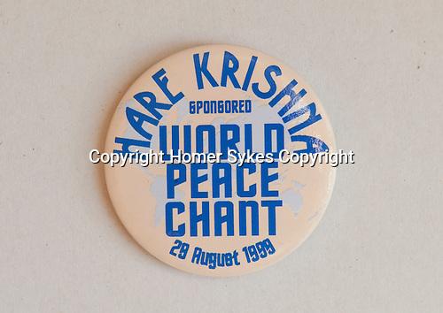 Hare Krishna World Peace Chant 29 August 1999 badge.