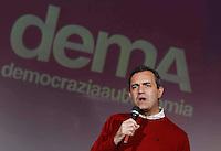 il Sindaco di Napoli Luigi De Magistris inaugura l' Agora  Dema futura sede del suo comitato elettorale