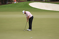 Shane Lowry (IRL) on the 15th green during the 3rd round of the DP World Tour Championship, Jumeirah Golf Estates, Dubai, United Arab Emirates. 17/11/2018<br /> Picture: Golffile | Fran Caffrey<br /> <br /> <br /> All photo usage must carry mandatory copyright credit (&copy; Golffile | Fran Caffrey)