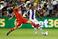 Real Valladolid´s Bergdich (r) and Getafe's Mehdi Lacen during La Liga match.August 31,2013. (ALTERPHOTOS/Victor Blanco)