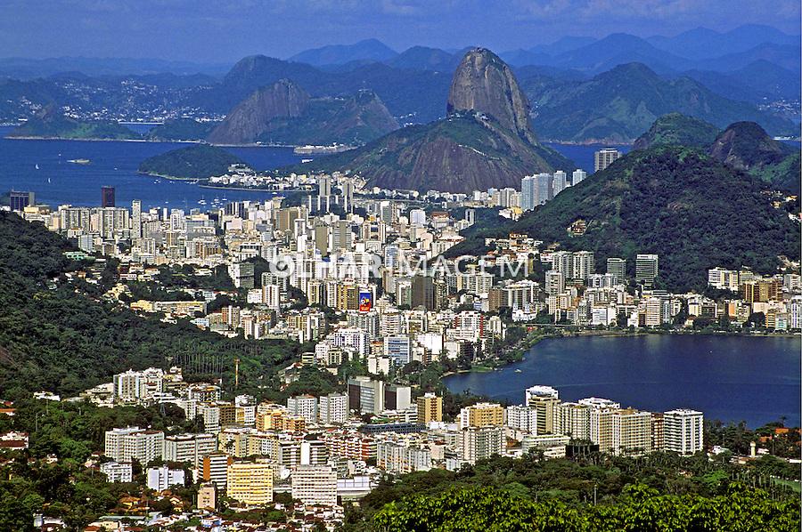 Pão-de-Açúcar e Lagoa Rodrigo de Freitas. Rio de Janeiro. 1998. Foto de Juca Martins.