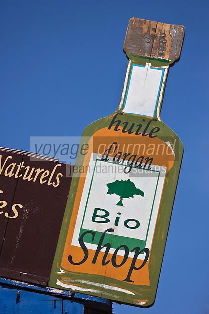 Afrique/Afrique du Nord/Maroc/Essaouira: Enseigne d'une boutique vendant de l'huile d'Argan