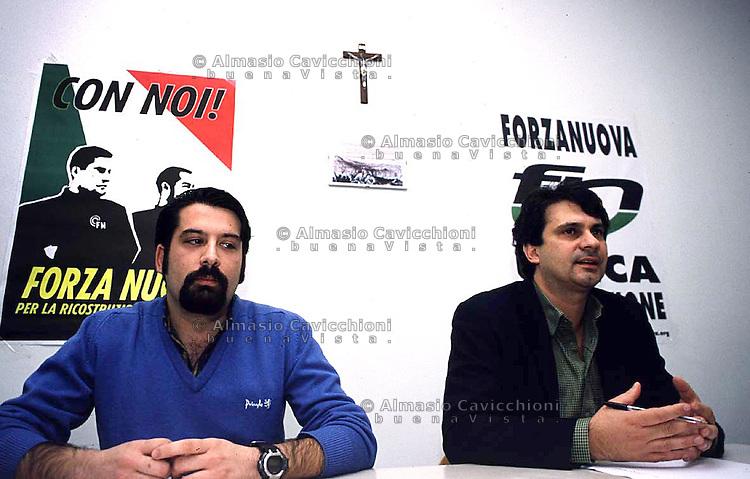 11 NOV 2000 Milano: l'organizzazione neofascista FORZA NUOVA manifesta contro il meeting europeo della Trilaterale, ROBERTO FIORE e DUILIO CANU.©Almasio & Cavicchioni