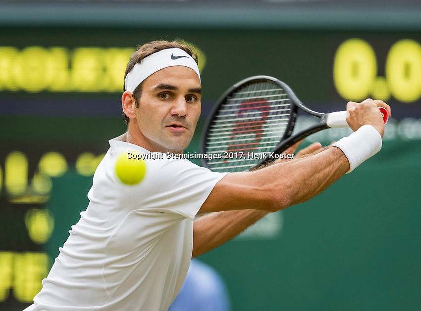 London, England, 6 th July, 2017, Tennis,  Wimbledon, Roger Federer (SUI)<br /> Photo: Henk Koster/tennisimages.com