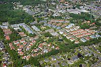 Wohnen in Wentorf : DEUTSCHLAND, SCHLESWIG-HOLSTEIN, WENTORF 05.06.2015: Wohnen in Wentorf, von Suedwest nach Nordost, Grenzweg und Hoeppneralle im Vordergrund, Berliner  Landstrasse oben rechts