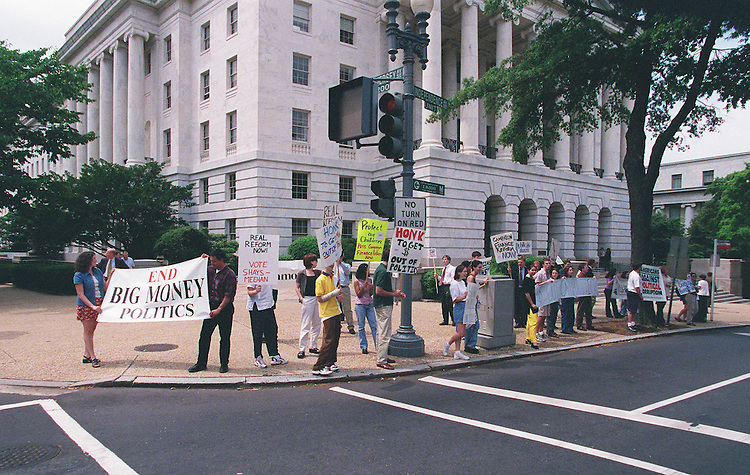 6-4-98.CAMPAIGN FINANCE REFORM--Common Cause staged a protest infront of the Longworth House Office Building asking for campaign finance reform..CONGRESSIONAL QUARTERLY PHOTO BY DOUGLAS GRAHAM