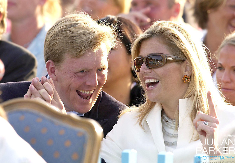 CONCERT IN BERGHOLM TO CELEBRATE CROWN PRINCESS VICTORIA.OF SWEDEN'S 25TH BIRTHDAY.  14/7/02 . PICTURE: UK PRESS  (ref 5105-42).CROWN PRINCE WILLEM ALEXANDER AND CROWN PRINCESS MAXIMA.