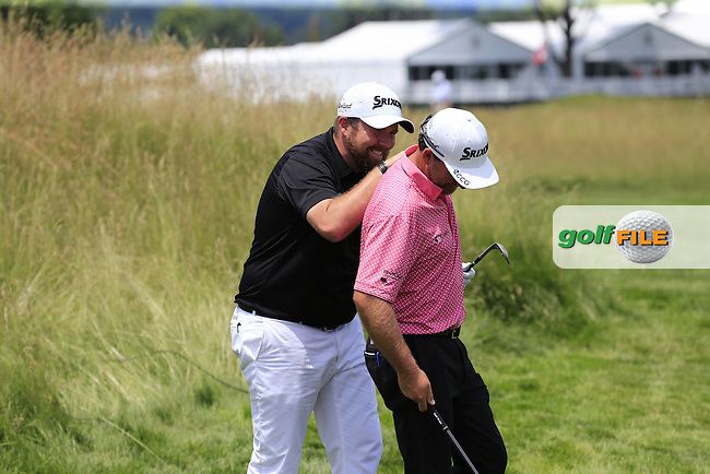 Shane Lowry (IRL) and Graeme McDowell (NIR) have a chipping competition at the 11th green during Wednesday's Practice Day of the 2016 U.S. Open Championship held at Oakmont Country Club, Oakmont, Pittsburgh, Pennsylvania, United States of America. 15th June 2016.<br /> Picture: Eoin Clarke | Golffile<br /> <br /> <br /> All photos usage must carry mandatory copyright credit (&copy; Golffile | Eoin Clarke)