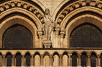 Eve, on the right side of the large rose, rebuilt by Viollet-le-Duc in the 19th century, West façade, Notre Dame de Paris, 1163 ? 1345, initiated by the bishop Maurice de Sully, Ile de la Cité, Paris, France. Picture by Manuel Cohen