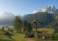 Italy, South Tyrol, Alto Adige, Dolomites, Val di Sesto, view across Moso, district of Sesto Pusteria, into Val Fiscalina, at Sesto's Mountain Sun Dial and Punta Tre Scarperi mountains