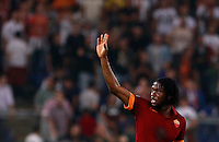 Calcio, Champions League, Gruppo E: Roma vs CSKA Mosca. Roma, stadio Olimpico, 17 settembre 2014.<br /> Roma forward Gervinho, of Ivory Coast, waves to fans after scoring during the Group E Champions League football match between AS Roma and CSKA Moskva at Rome's Olympic stadium, 17 September 2014.<br /> UPDATE IMAGES PRESS/Isabella Bonotto