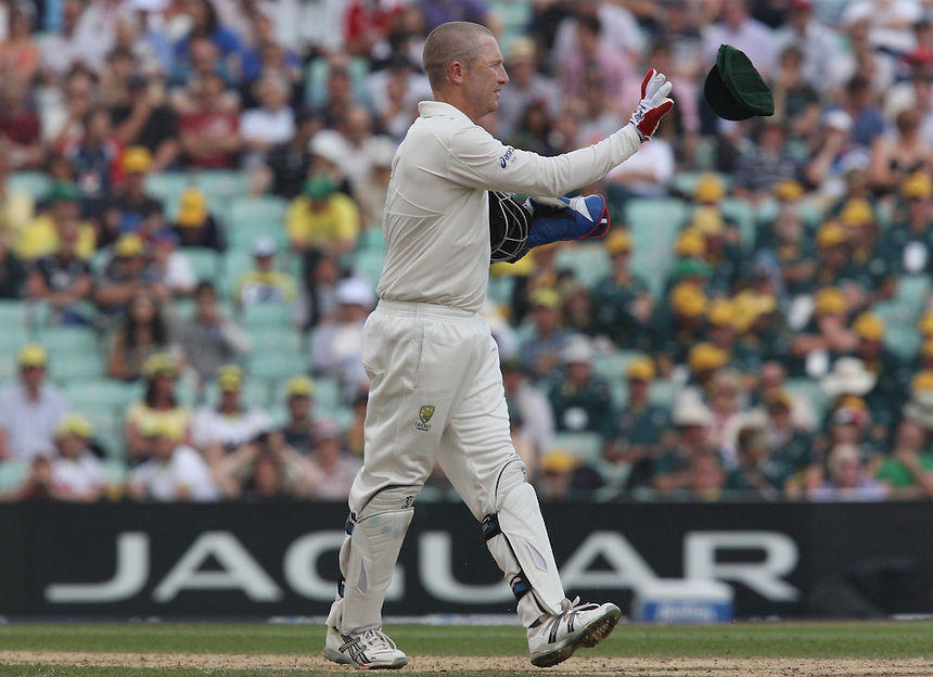 Australia's Brad Haddin (wicket-keeper)  in action <br /> <br /> Photo by Kieran Galvin / CameraSport<br /> <br /> International Cricket - Fifth Investec Ashes Test Match - England v Australia - Day 5 - Thursday 25th August 2013 - The Kia Oval - London<br /> <br /> &copy; CameraSport - 43 Linden Ave. Countesthorpe. Leicester. England. LE8 5PG - Tel: +44 (0) 116 277 4147 - admin@camerasport.com - www.camerasport.com