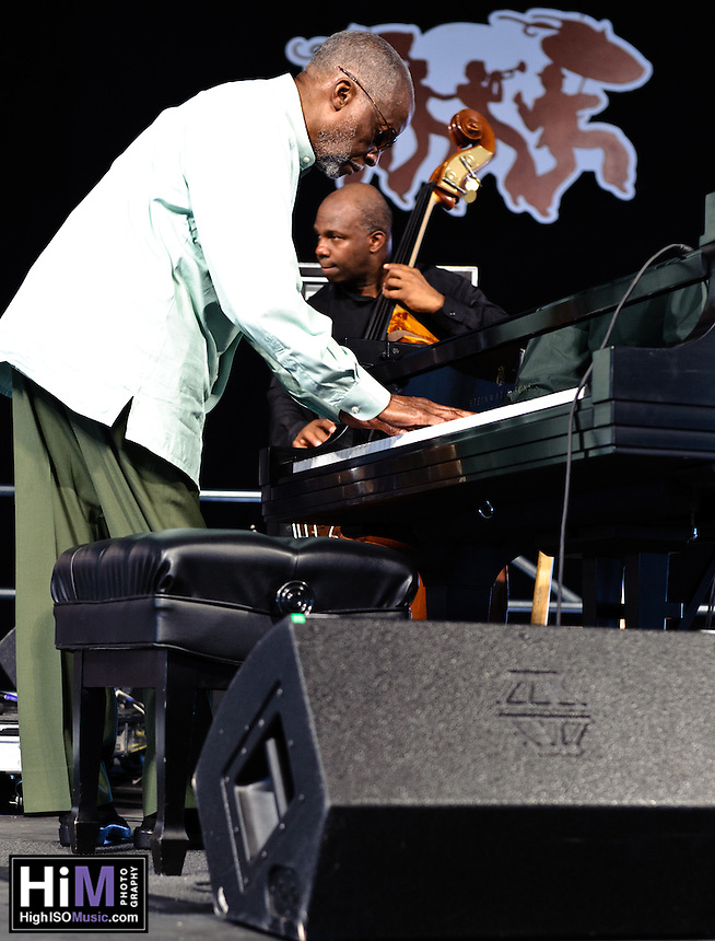 Ahmad Jamal with James Cammack on bass, Manolo Badrena on percussion, and Herlin Riley on drums at Jazz Fest 2011 on day 2.