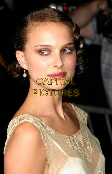 "NATALIE PORTMAN.""Garden State"" New York Premiere, Clearview Theatre.New York City, New York .July 28, 2004.headshot, portrait, pearl earirngs.www.capitalpictures.com.sales@capitalpictures.com.©Capital Pictures"
