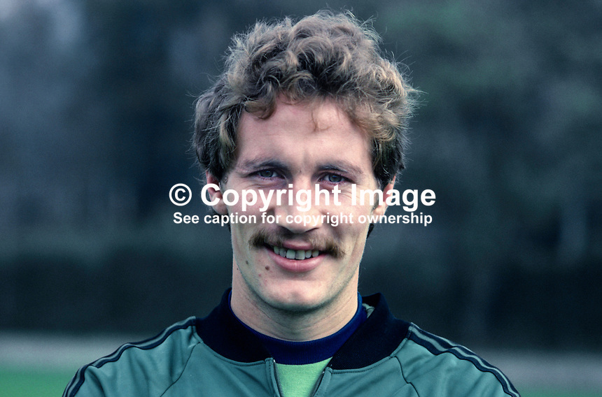 Billy Hamilton, footballer, Burnley FC & N Ireland, 198011000363a..Copyright Image from Victor Patterson, 54 Dorchester Park, Belfast, UK, BT9 6RJ..Tel: +44 28 9066 1296.Mob: +44 7802 353836.Voicemail +44 20 8816 7153.Skype: victorpattersonbelfast.Email: victorpatterson@mac.com.Email: victorpatterson@ireland.com (back-up)..IMPORTANT: If you wish to use this image or any other of my images please go to www.victorpatterson.com and click on the Terms & Conditions. Then contact me by email or phone with the reference number(s) of the image(s) concerned.