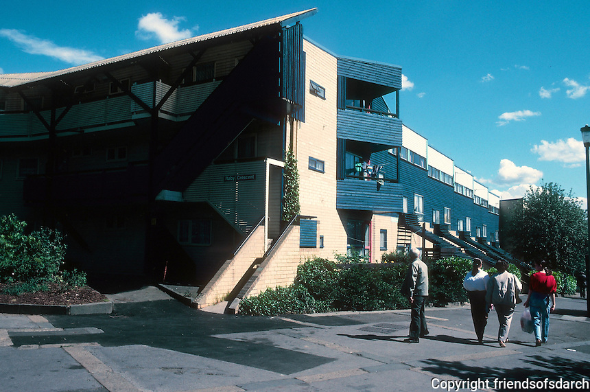 Ralph Erskine: Byker Redevelopment, Newcastle 1968-80. Mult-family. Photo '90.
