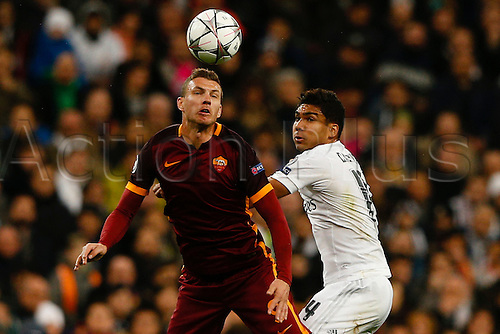 08.03.2016 Estadio Santiago Bernabeu, Madrid, Spain. UEFA Champions League Real Madrid CF versus AS Roma.  Edin Dzeko (9) Roma wins the header from Carlos Enrique Casemiro (14) Real Madrid.