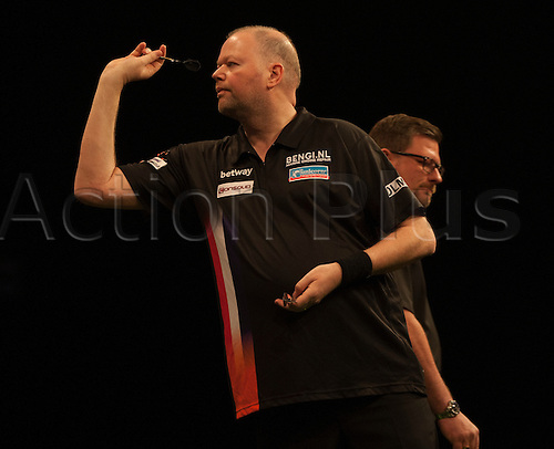 07.04.2016. The Sheffield Arena, Sheffield, England. Betway PDC Premier League Darts. Night 10.  Raymond van Barneveld [NED] misses a game winning double in his match against James Wade [ENG].