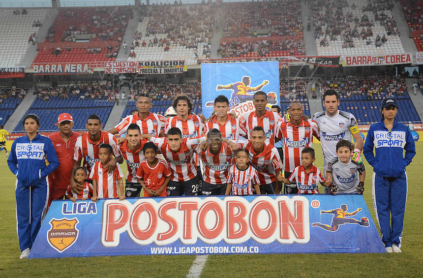 BARRANQUIILLA -COLOMBIA-07-09-2014. Jugadores de Atlético Junior posan para una foto previoa la encuentro con Alianza Petrolera por la fecha 8 de la Liga Postobón II 2014 jugado en el estadio Metropolitano Roberto Meléndez de la ciudad de Barranquilla./ Players of Atletico Junior pose to a photo prior the match against Alianza Petrolera for the 8th date of the Postobon League II 2014 played at Metropolitano Roberto Melendez stadium in Barranquilla city.  Photo: VizzorImage/Alfonso Cervantes/STR