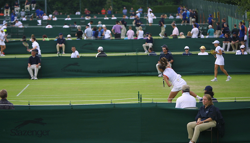 Picture : Jason Green.ROEHAMPTON TENNIS.WIMBLEDON QUALIFING.Qualifying matches take place.20-06-01