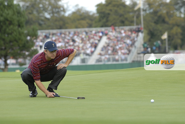 USA Team player David Toms lines up his putt on the 15th green during the final day singles matches of the 2006 Ryder Cup at The K Club Saturday 24th September 2006.(Photo Eoin Clarke/Newsfile)
