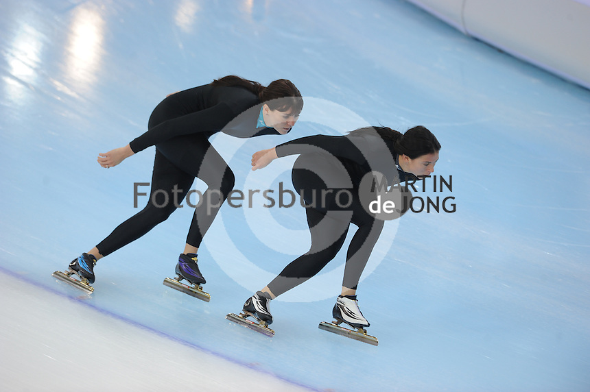 SPEEDSKATING: SOCHI: Adler Arena, 20-03-2013, Training, Heather Richardson (USA), Brittany Bowe (USA), © Martin de Jong