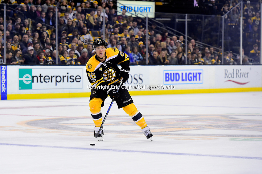 Tuesday, February 28, 2017: Boston Bruins right wing David Pastrnak (88) in action during the National Hockey League game between the Arizona Coyotes and the Boston Bruins held at TD Garden, in Boston, Mass. Boston defeats Arizona 4-1. Eric Canha/CSM