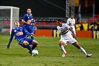 ATENÇÃO EDITOR: FOTO EMBARGADA PARA VEÍCULOS INTERNACIONAIS SÃO PAULO,SP,23 SETEMBRO 2012 - CAMPEONATO BRASILEIRO - SÃO PAULO x CRUZEIRO - Montijo jogador do Cruzeiro  durante partida São Paulo x Cruzeiro  válido pela 26º rodada do Campeonato Brasileiro no Estádio Cicero Pompeu de Toledo  (Morumbi), na região sul da capital paulista na tarde deste domingo (23). (FOTO: ALE VIANNA -BRAZIL PHOTO PRESS).