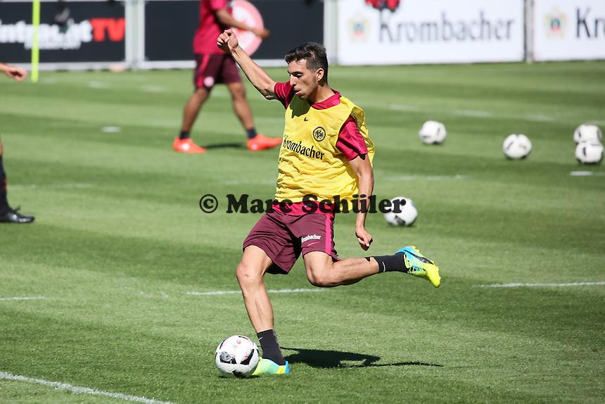 Furkan Zorba (Eintracht Frankfurt) - Eintracht Frankfurt Training, Commerzbank Arena