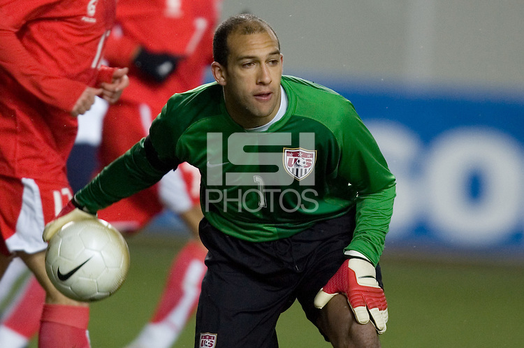 Goalkeeper Tim Howard makes an outlet pass at Fritz-Walter Stadium, Kaiserslautern, Germany, Wednesday, March 1, 2006.