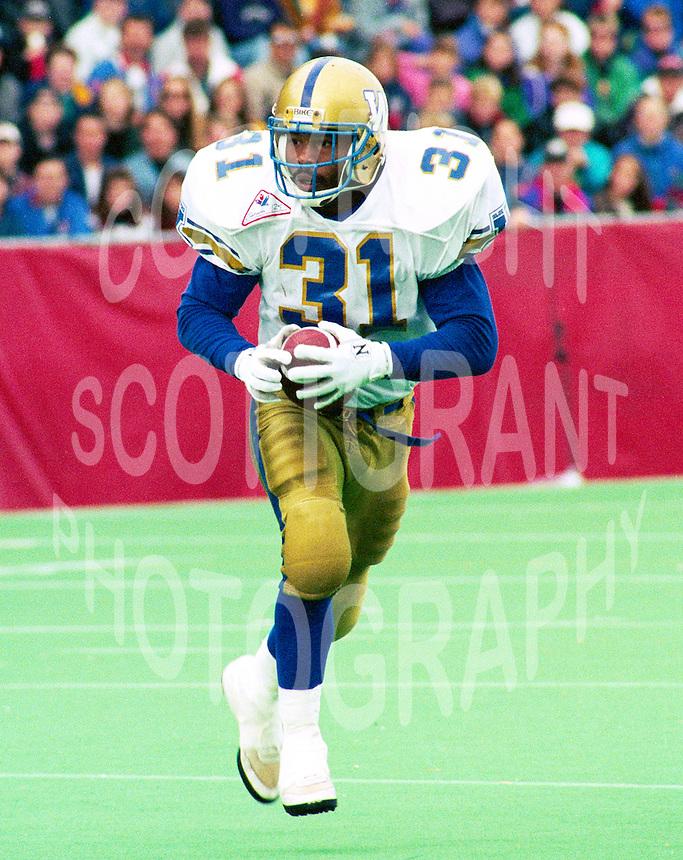 Michael Richardson Winnipeg Blue Bombers 1992. Photo Image Communications