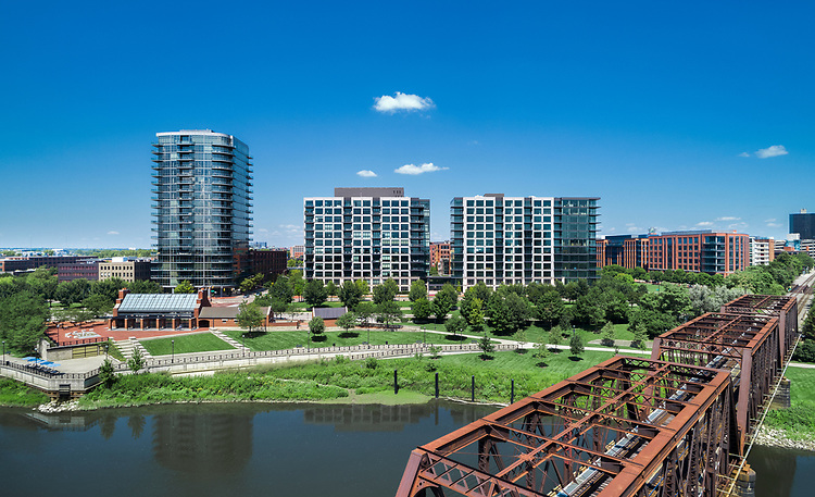 Parks Edge Condominiums | Nationwide Realty Investors, Columbus Architectural Studio and Messer Construction