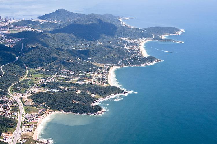 vista aérea da interpraias, Balneário Camboriú, Santa Catarina, Brasil
