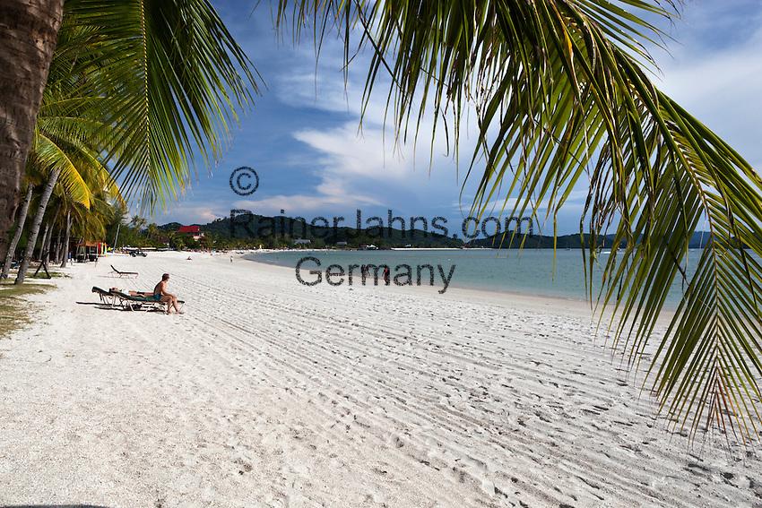 Malaysia, Pulau Langkawi, Pantai Cenang beach   Malaysia, Pulau Langkawi, Pantai Cenang beach