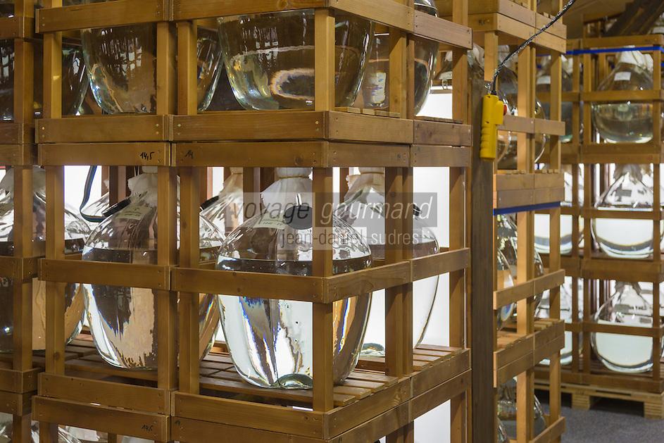 Europe, Autriche, Tyrol (Land), Tyrol du Nord, Fritzens: Distillerie Rochelt GmbH  // Europe, Austria, Tyrol (state),  Fritzens: Distillery Rochelt GmbH