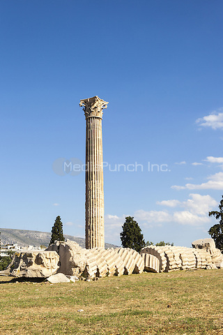 Temple of Olympian Zeus, Athens, Greece <br /> CAP/MEL<br /> &copy;MEL/Capital Pictures /MediaPunch ***NORTH AND SOUTH AMERICA ONLY***
