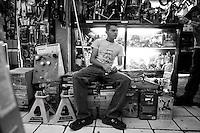 Raul Arturo Lara San Vincente. Hardware store owners in Mercado Hidalgo,  Mexico DF, Mexico