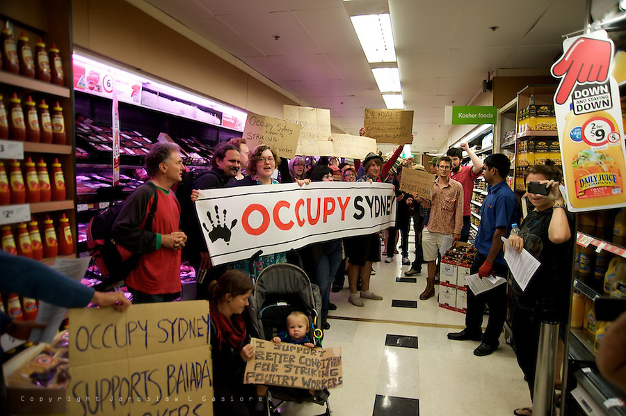 Occupy Sydney supports the striking Baiada poultry workers, Coles shop at CBD