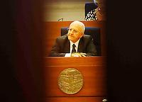 il presidente della giunta regionale della Campania Vincenzo De Luca  durante  alla   prima seduta del Consiglio Regionale della Campania , Napoli 09 Luglio 2005