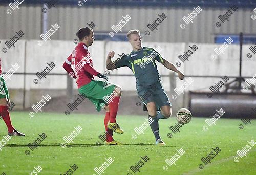 2016-11-26 / Voetbal / Seizoen 2016-2017 / Sint Lenaarts - Eppegem / Bart Vereecke met Nick Van der Zyp (r. St-Lenaarts)<br /> <br /> ,Foto: Mpics.be