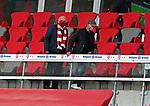 23.05.2020, Allianz Arena, München, GER, 1.FBL, FC Bayern München vs Eintracht Frankfurt 23.05.2020 , <br /><br />Nur für journalistische Zwecke!<br /><br />Gemäß den Vorgaben der DFL Deutsche Fußball Liga ist es untersagt, in dem Stadion und/oder vom Spiel angefertigte Fotoaufnahmen in Form von Sequenzbildern und/oder videoähnlichen Fotostrecken zu verwerten bzw. verwerten zu lassen. <br /><br />Only for editorial use! <br /><br />DFL regulations prohibit any use of photographs as image sequences and/or quasi-video..<br />im Bild<br />Uli HOENESS (FCB) , Franz BECKENBAUER ( ex FCB President, captain of honor FCB) mit Mundschutz auf der Tribüne <br /> Foto: Peter Schatz/Pool/Bratic/nordphoto
