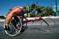 09 NOV 2002 - CANCUN, MEX - Chris Brogan (GBR) - ITU World AWAD Triathlon Championships (PHOTO (C) NIGEL FARROW)