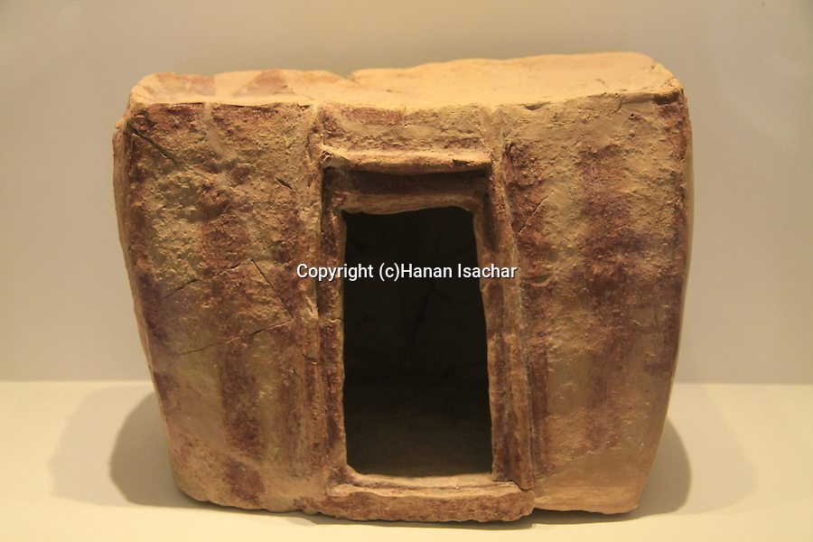 Israel, Jerusalem, model house from Arad, 2650-3000 BC, on display at the Israel Museum