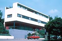 Stuttgart: Weissenhofsiedlung. Double house on Rathenaurstr. Le Corbusier & Pierre Jeanneret.