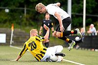 HAREN - Voetbal, Be Quick - OFC, Esserberg , Derde Divisie zondag, seizoen 2017-2018, 03-09-2017,  Rick Wierma springt op bij tackle van Nick Kramer