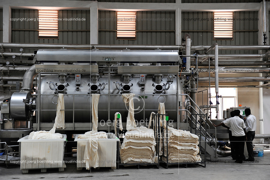 INDIA, Tamil Nadu, Tirupur, fairtrade textil factory, dying unit Cotton Blossom India Ltd., fabric dying machine