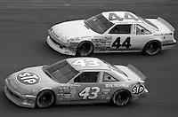 Richard Petty (43) Pontiac 28th place Jim Sauter (44) Pontiac 21st place Atlanta Journal 500 at Atlanta International Raceway in Hampton , GA on November 19, 1989.  (Photo by Brian Cleary/www.bcpix.com)