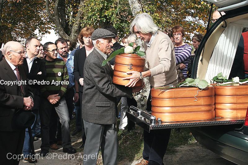 Ultimo homenaje a los Republicanos asesinados en O Acevo<br /> A Fonsagrada<br /> fecha:31-10-09<br /> foto:pedro agrelo