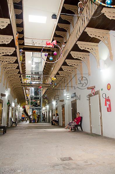 Casa da Cultura de Pernambuco - antiga Casa de Detenção inaugurado em 1855, que atualmente abriga lojas de artesanato, centro histórico de Recife - PE, 12/2012.